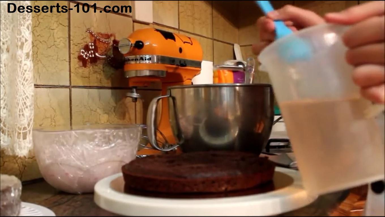 how to make chocolate strawberry cake